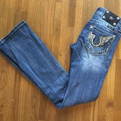 Miss Me Bootcut Jeans Cute Miss Me Bootcut jeans with horseshoe detail! VGUC Miss Me Jeans Boot Cut