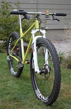 Gear: a stunningly beautiful fillet brazed 650b mountain bike from Tomii. http://adv-jour.nl/HNaDBf