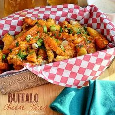 Buffalo Cheese Fries: The flavor of buffalo chicken wings meets the crispy texture of french fries topped with sharp cheddar and blue cheese. Serve with a fork and ranch dressing. Potato Dishes, Potato Recipes, Food Dishes, Chicken Recipes, Side Dishes, Egg Recipes, Pizza Recipes, Buffalo Fries, Buffalo Chicken