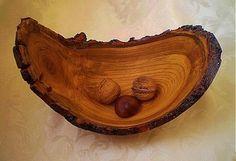 A.DIZAJN / Miska z koreňa čerešne