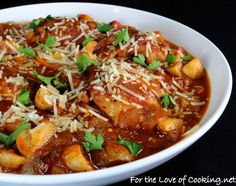 Chicken Cacciatore * http://www.fortheloveofcooking.net/2012/02/chicken-cacciatore.html