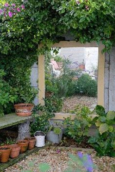 Fascinating Garden Mirrors Ideas - MORFLORA Small garden idea: Flesh out the lo. - Fascinating Garden Mirrors Ideas – MORFLORA Small garden idea: Flesh out the loveliness of your - Small Courtyard Gardens, Small Courtyards, Small Gardens, Outdoor Gardens, Small Garden Design, Small Space Gardening, Garden Spaces, Patio Design, Tiny Garden Ideas