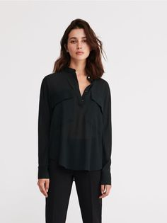 Check it out, buy it online! Buy quickly and conveniently online. Secure shopping Free return within 90 days. Clothes 2019, Ruffle Blouse, Retail, Stuff To Buy, Blouses, Pockets, Shopping, Tops, Women