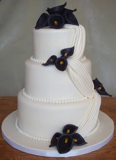 Eggplant Calla Lilly Wedding Cake I am very happy with this cake - looking at it, I feel like a real cake decorator! I replicated a cake. Wedding Anniversary Cakes, 30 Anniversary, Calla Lily Cake, Calla Lillies Wedding, Garden Party Cakes, Beach Wedding Locations, Small Wedding Cakes, White Cakes, Orange Wedding