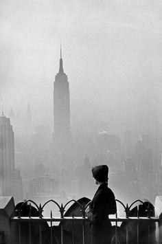 FOTO AUTORE PHOTO PHOTOS ELLIOTT ERWITT Empire State Building a New York City