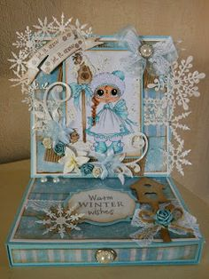 Bestie easel card with drawer by Miranda Bouhof