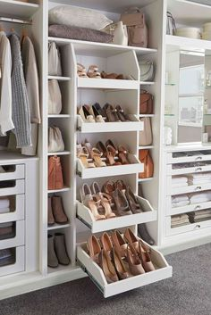 Bedroom storage solutions that dreams are made of . Bedroom storage solutions that dreams are made of . Walk In Closet Design, Bedroom Closet Design, Master Bedroom Closet, Closet Designs, Home Bedroom, Organize Bedroom Closets, Small Master Closet, Organized Closets, Custom Closet Design