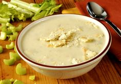 Celery soup with ham mozzarella sticks Celery Soup, Ham Soup, Diabetic Recipes, Diet Recipes, Healthy Recipes, Mozzarella Sticks, Clean Eating, Food And Drink, Nutrition