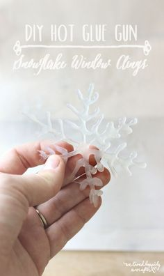 I make enough messes with hot glue - will have to try this! DIY Hot Glue Gun Snowflake Window Clings