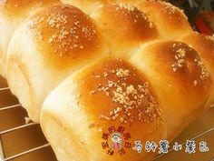 轩宏妈的厨房日记 XuanHom's Mom Kitchen Diary: 香而軟的麵包,100%推薦~~馬鈴薯排包餐包-安利麵包機(Potato Bread-Amway-Noxxa Bread Machine)