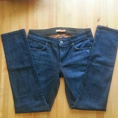 Rich and Skinny, Skinny jeans dark wash Size 28 skinny jeans. The material feels very luxurious and has a great stretch to it. These jeans are in amazing condition. Rich & Skinny Jeans Skinny