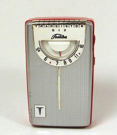 Toshiba Spark Gap, Pocket Radio, Receptor, Retro Radios, Antique Radio, Transistor Radio, Boombox, A Table, Retro Vintage
