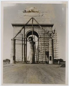 India Gate under construction in year 1931 #history #historypics #images #pictures #IndiaGate #Delhi  The India Gate, (originally called the All India War Memorial), is a war memorial located astride the Rajpath, on the eastern edge of the 'ceremonial axis' of New Delhi, formerly called Kingsway. India gate is a memorial to 82,000 soldiers of the undivided British Indian Army who died in the period 1914–21 in the First World War, in France, Flanders, Mesopotamia, Persia.