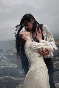 Lunaesque Creative Photography - Wuthering Heights Costume - The Dark Angel Design Co Ltd