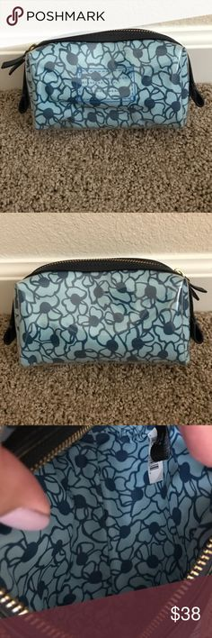 Marc by Marc Jacobs cosmetic poof Great for smaller purses to carry your cosmetics, etc.--- NWOT!!! Marc By Marc Jacobs Bags Cosmetic Bags & Cases