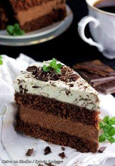 tort czekoladowy , tort straciatella , tort z kremem czekoladowym , mus czekoladowy . krem do tortow , mus czekoladowy do tortu , czekolady lindt , lind excellence , sylwia ladyga , ostra na slodko , najlepsze torty , tort na komunie , tort latwy , szybki tort Cupcake Recipes, Cookie Recipes, Cupcake Cakes, Sweet Corner, Torte Cake, Kinds Of Desserts, Yummy Food, Good Food, Polish Recipes