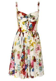 dolce and gabbana floral print silk crepe de chine dress. Pretty Outfits, Pretty Dresses, Beautiful Dresses, Fashion Moda, Look Fashion, Womens Fashion, Gq Fashion, Dress Fashion, Estilo Floral
