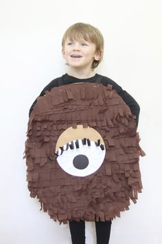 This is a really easy no-sew tabard style costume that kids will love to make, based on the monster named Fing in David Walliams book