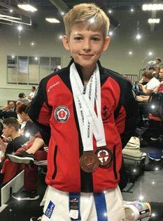 sportcampina: Două medalii pentru prahoveanul Matei Munteanu la ... Sports, Jackets, Fashion, Hs Sports, Down Jackets, Moda, La Mode, Sport, Fasion