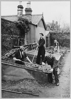 Dig For Victory, Lest We Forget, Working Woman, Sailors, British Royals, Museums, Soldiers, Ww2, Pride