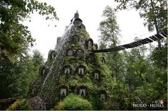 Rainforest hotel in the heard of the Patagonia Andes of Southern Chile. Yes, please.