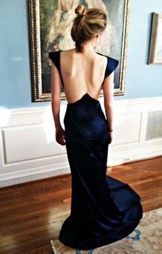 Navy plus an amazing back? I need this dress.