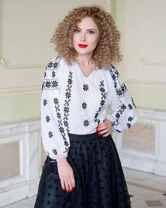 This hand embroidered traditional blouse is decorated with geometrical and floral patterns, representing the Queen of the Night, a delicate and perfumed flower. White Silk, Black Cotton, Urban Chic Looks, Black Lace Skirt, Palestinian Embroidery, Elegant Outfit, Ethnic Fashion, Blouse Styles, Handmade Clothes