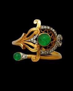 Emerald and diamond ring, ca.1900.