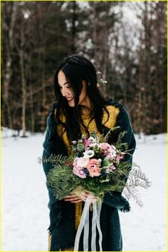 20+ Winter Bridal Looks We Can't Get Enough 2017 http://www.ysedusky.com/2017/03/15/20-winter-bridal-looks-we-cant-get-enough-2017/