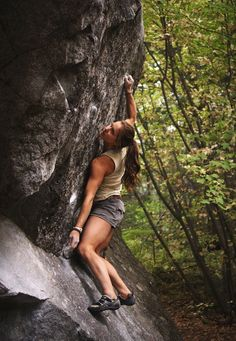 www.boulderingonline.pl Rock climbing and bouldering pictures and news Lisa Chullich climbi