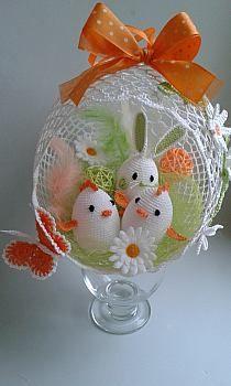 Holiday Crochet, Easter Crochet, Crochet For Kids, Crochet Crafts, Crochet Dolls, Crochet Round, Octopus Crochet Pattern, Crochet Flower Patterns, Crochet Flowers