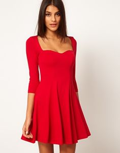 I'm looking for a long sleeved red dress for Christmas this year. I think I may have found it! I love the sweetheart neckline <3