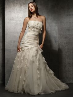 Elegant Taffeta Organza A Line Strapless Wedding Dress With First Cl Fabric And Great Handwork