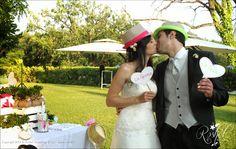The bride and the groom in the Wedding Photo Booth of Roshel Weddings & Co.  http://roshel-weddings-and-co.blogspot.it/2015/02/l-del-photo-booth-facce-da-matrimonio.html