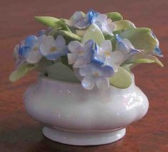 Forget-Me-Not china flowers Fine Porcelain, Porcelain Ceramics, Sugar Flowers, Blue Flowers, Antique China Dishes, Flower Frog, Glass Figurines, Forget Me Not, Ceramic Flowers