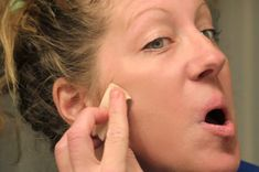 Smooth Finish DIY Organic Foundation Makeup…With Sunscreen Homemade Foundation, Organic Foundation, No Foundation Makeup, Diy Makeup, Makeup Tips, Beauty Makeup, Aloe Vera Toner, Homemade Beauty Products, Health And Beauty Tips