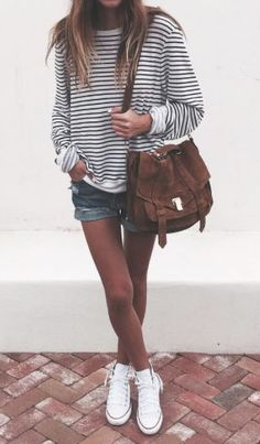 Casual summer outfit | Oversized stripped sweater with denim shorts and sneakers