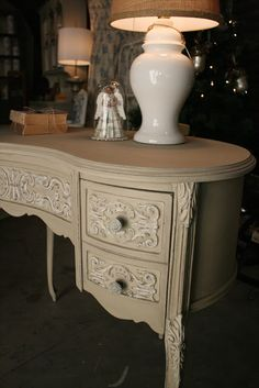Country Grey w/dry brushed Old White over the details and then distressed, allowing the wood underneath to show. To soften the contrast between the Country Grey and Old White, a wash used of half French Linen and half water. Decor, Furniture, Shabby Chic Dresser, Redo Furniture, Painted Furniture, Indian Decor, Furniture Inspiration, Country Furniture, Chalk Furniture