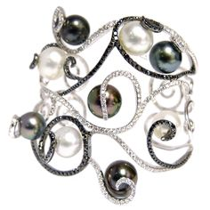 """Black and White """"Appliqué"""" Pearl Bracelet 