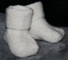 ✰ Skorpionen's hjørne: Stay-on baby booties (babysokker) Aktiv, Baby Knitting Patterns, Baby Booties, Baby Fever, Knit Crochet, Projects To Try, Socks, Booty, Kids