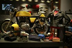 Royal Enfield launches Despatch motorcycles & clothing of World Wars (4)