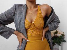 "12 k gilla-markeringar, 91 kommentarer - Alicia Roddy (@lissyroddyy) på Instagram: ""Still adding everything yellow to my basket... bodysuit from @misspap use code LISSY30 """