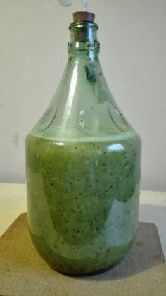 przepis na wino z kiwi Kiwi, Diy And Crafts, Food, Essen, Meals, Yemek, Eten