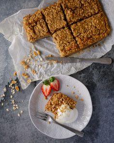 SAFTIG OG ENKEL FROKOSTKAKE - Bakekona French Toast, Breakfast, Food, Morning Coffee, Eten, Meals, Morning Breakfast, Diet