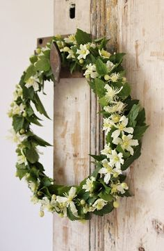 idémakeriet: A small wreath - a little wreath of clematis that blooms with thousands of flowers at home.