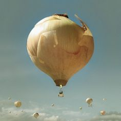 Onion Hot Air Balloon - i would think the world was ending if i saw this hovering over me!!!