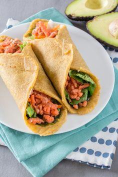 Paleo Wraps with Smoked Salmon - Autoimmune Paleo proof Paleo Wraps, Healthy Wraps, Healthy Menu, Healthy Dinner Recipes, Healthy Snacks, Easy Cooking, Healthy Cooking, Wrap Recipes, Paleo Dinner