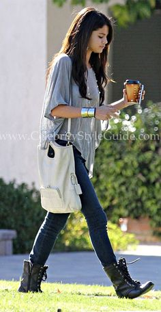 Stil und Mode von Selena Gomez - Blue Life Phoenix Cape Tee - Celebrity Style Guide Source by Selena Gomez Fashion, Estilo Selena Gomez, Selena Gomez Style, Combat Boot Outfits, Lace Up Combat Boots, Calf Boots, Military Boots Outfit, Knee Boots, Winter Outfits