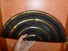 round placemat clutch