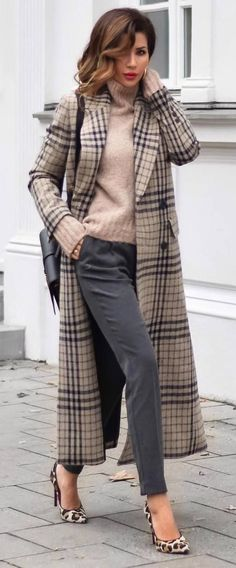 What To Wear This Fall: 45 Trendy Outfit Ideas - - 49 Trendy Fashion Combination For This Fall Fall Business Attire, Business Fashion, Business Style, Business Casual, Plaid Fashion, Fashion Outfits, Womens Fashion, Trendy Fashion, Fashion Coat